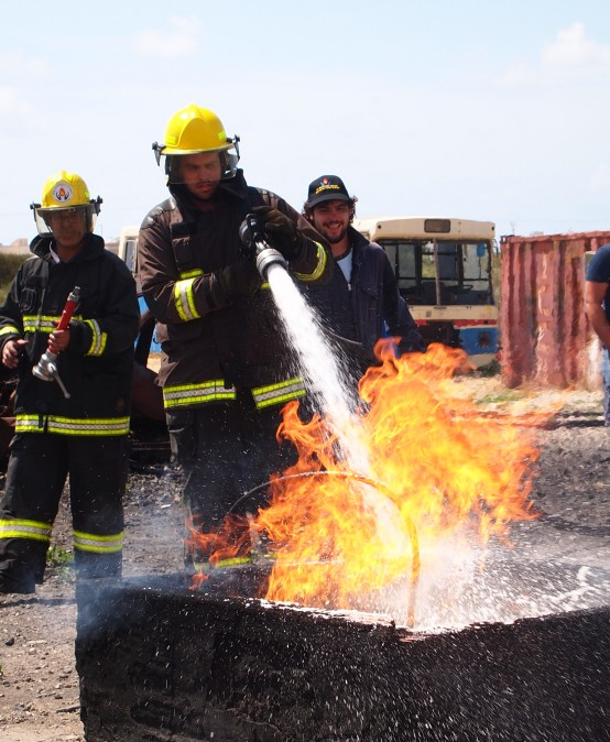 הדרכת צוותי חרום אימון מתקדם במרכז לבטיחות אש